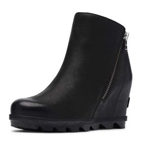 SOREL Joan Of Arctic II Black Leather Zip Boot 10